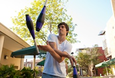 sito giocoliere Tulane_Juggler_Homecoming_Misc-5